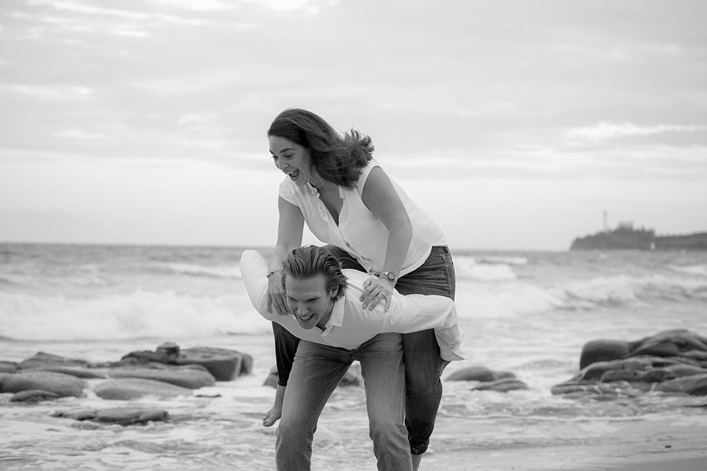 Sunshine coast beach Black&White engagement photo by Malenyweddingphotography