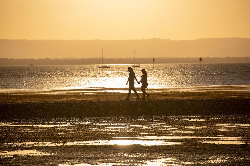sunset engagement photo by Malenyweddingphotography