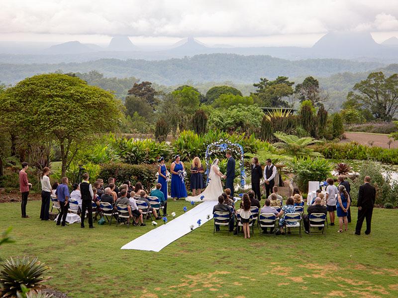WeddingceremonyBotanicGardensbyMalenyWeddingPhotography